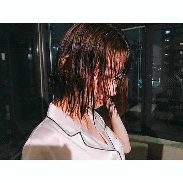 """柏木由紀(Yuki Kashiwagi) on Instagram: """".off shot📷びしょ濡れ。"""" (680147)"""