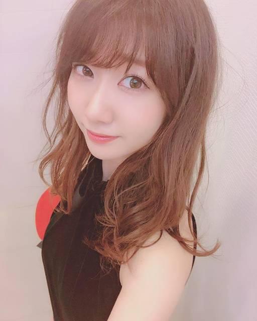 """柏木由紀(Yuki Kashiwagi) on Instagram: """".AKB48「ジワるDAYS」発売日〜💋.ジャケ写撮影のときの自撮り😘"""" (680150)"""
