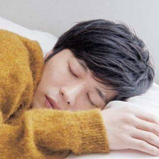 ٩( ᐛ )وYさんはInstagramを利用しています:「: もぉぉぉぉぉ~お♡ 寝顔も可愛いとかもう罪すぎぃぃ~ ほんとにチビちゃん奥さん羨ましいなぁ…毎晩のようにこの寝顔を拝めれるんでしょ( ⸝⸝•௰•⸝⸝ ) #田中圭  #田中圭ファンと繋がりたい  #パピのチビになりたい  #田中圭かわいすぎ  #寝顔最強  #可愛すぎて罪…」 (680579)