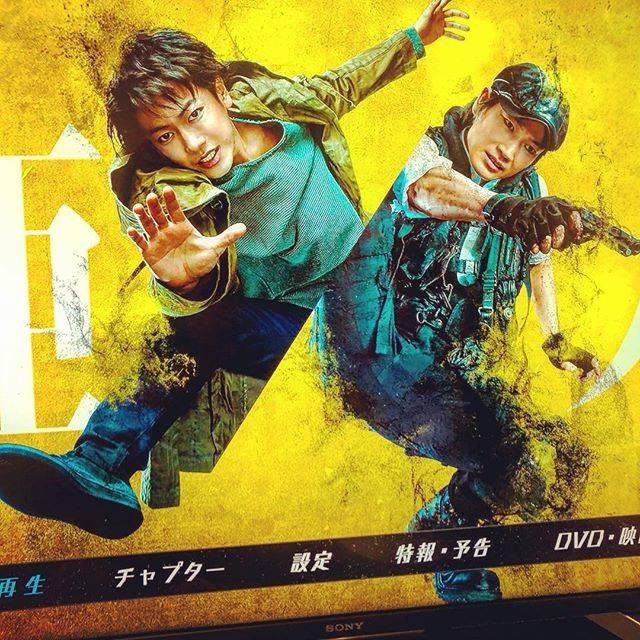 "kodaka hiroyuki on Instagram: ""#亜人ようやく見れました。^_^漫画見ていたから内容は知ってたけどオリジナル性があって面白かった。佐藤健と綾野剛この二人が組んだら最強ですね。(〃ω〃)#亜人#佐藤健#綾野剛#アクションやばい#映画#deadoralive #次回作も期待#続編ありの終わり方"" (680695)"