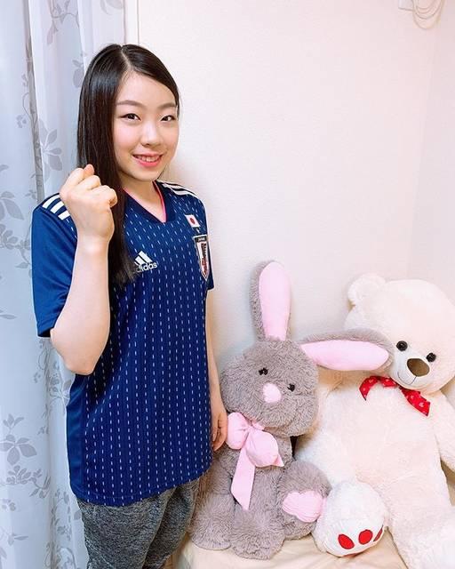 """Rika Kihira 紀平梨花 on Instagram: """"明日からFIFA女子ワールドカップが開催されます❗️なでしこジャパンの皆さん、応援しています☺️✨✨🐰🐻#DareToCreate #createdwithadidas #daihyo #世界のなでしこ #なでしこジャパン"""" (680805)"""