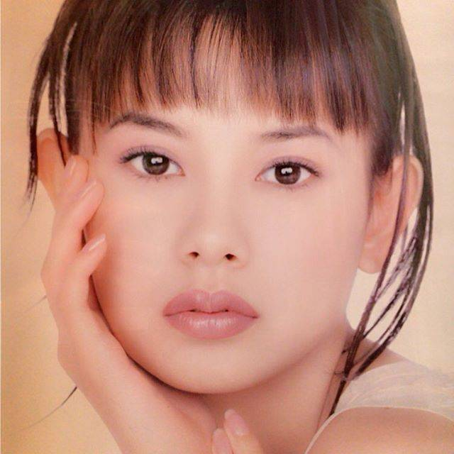 "Sakura Uehara on Instagram: ""What a nostalgic photo that is!!!#lips #lipstick #model #manyyearsago #young #aube #pure #cute #🌸#❤️ #follow4follow"" (681433)"