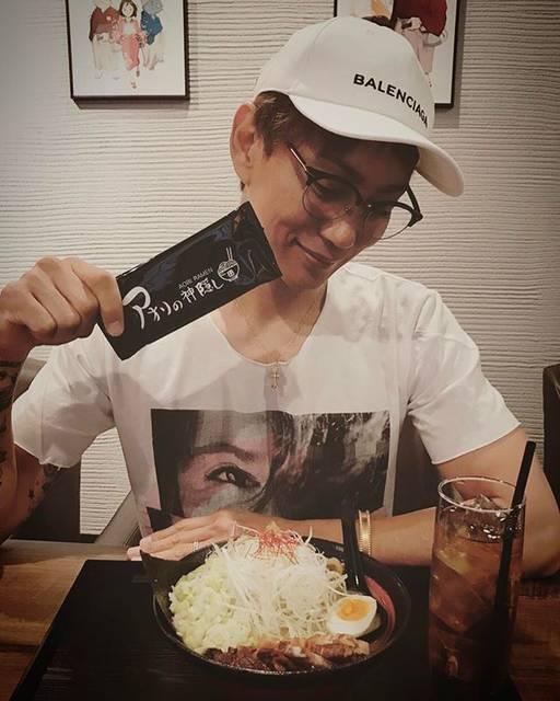"Koji  Aoyama on Instagram: ""ありちゃんとアオリラーメンブランチ^ ^#アオリの神隠し #アオリラーメン #六本木 #ラーメン #aoriramen #ramen #brunch"" (682339)"