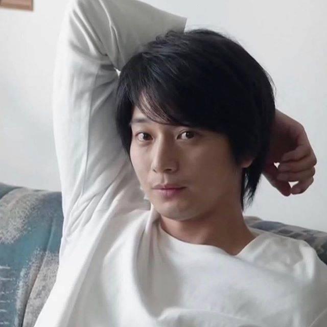 """向井 理 on Instagram: """".あ、目が合った!って思っていいですか?.#向井理"""" (682587)"""