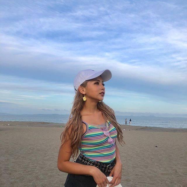 """ゆきぽよ(Yuki Kimura) on Instagram: """"明日晴れたらあの海へ行こう〜♪♪♪. . . TGC beachありがとうございました💗. . . 地元神奈川のBeachでランウェイ. 歩けて幸せすぎたんご💋. . . 衣装は @spinns_official さんでした🤘🏽. . . #tgc #tgcbeach…"""" (683825)"""