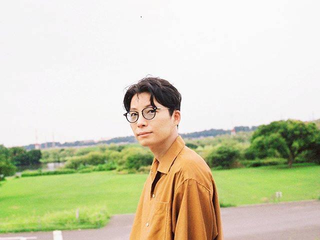 """Gén Hoshino  星野源 on Instagram: """"星野源です。 今日から色んなことを始めます。 僕の好きな人達や、まだ会ったことのない誰かと、 出会い、そして繋がり、楽しむために。 今までやっていなかったことを、 今まで知らなかったことを、 ずっとやりたかったことを、 好きなことを、やっていきたいと思います。…"""" (684083)"""