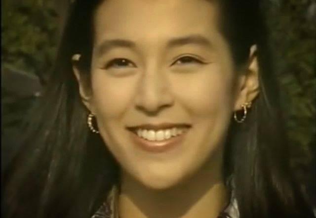 """May Lin on Instagram: """"東京愛情故事旋律響起~丸子。人生很多事是不是能和莉香一樣能完美揮別微笑轉身。放手往前進~~#鈴木保奈美 #經典老電視劇#日劇迷回顧"""" (684546)"""