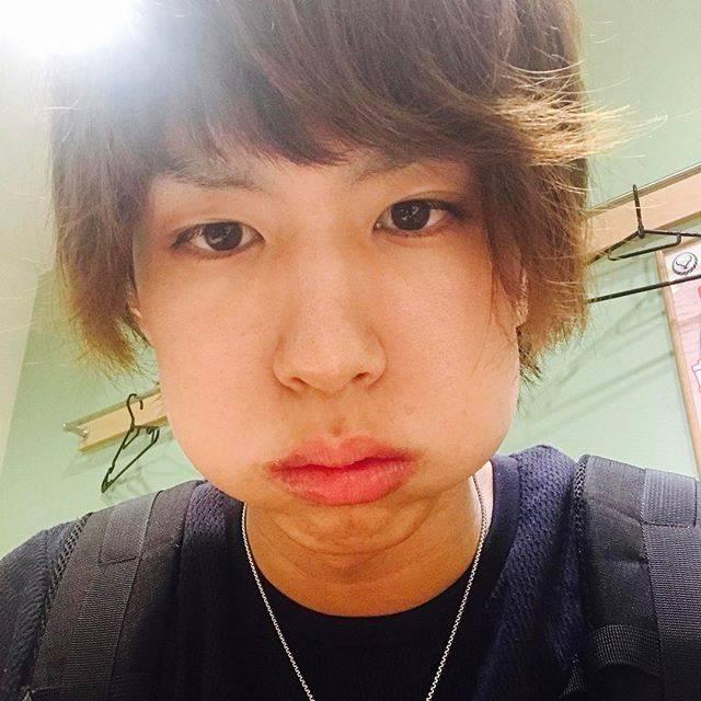 """はじめしゃちょー on Instagram: """"口の中には豚丼やで"""" (686961)"""