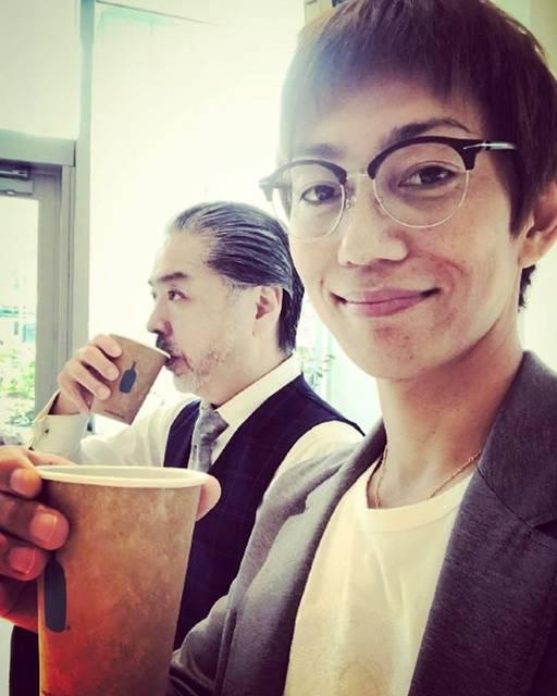 """Koji  Aoyama on Instagram: """"謎の男、野田さんと打合せランチ🍥☕️ラーメンの後のコーヒーがまた美味い^ ^韓国はオシャレなコーヒーショップいっぱいあっていいなー。"""" (687202)"""
