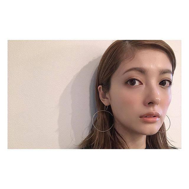 """aya hirayama on Instagram: """"@cosmedecortejp のファンデがとてもいい🎉#beaty#美容大好き#美容楽しい#cosme"""" (688311)"""