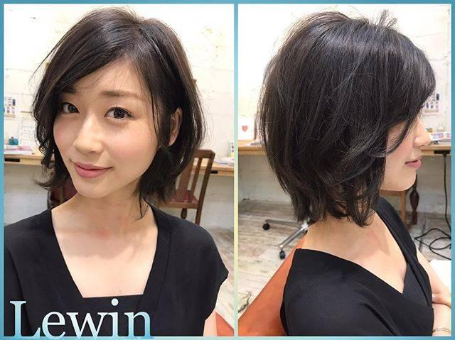 """Lewin 〜hair catalogue〜 on Instagram: """"牧野結美さんご来店頂きました😊 今回はなんとバッサリイメチェンしました✂︎✂︎ 表面に動きのあるミディアムショートに✨  カラーはダークグレーにしました⭐️ いつもありがとうございます😊  カット Lewin ¥6480〜 ・ ・ カラー ¥5400〜 ・ ・ ・…"""" (690331)"""