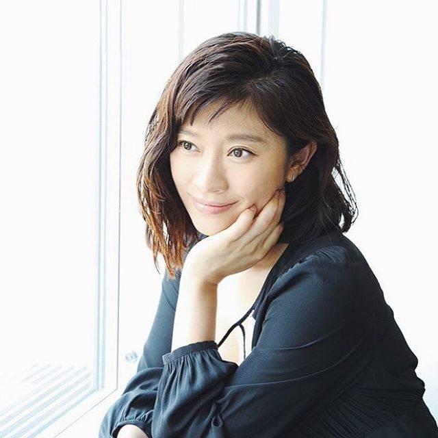 """篠原涼子さんのファン on Instagram: """"やっとテスト終わったぁ👻 篠友の投稿してた涼子ちゃんの写真みてめちゃくちゃ癒されました!♡ たくさん情報あって嬉しい😻 実は、エキストラとかファンミの応募していたけど、当りませんでした😭😭😭😭✖️ だれか、運分けてください、、、、、笑 #篠原涼子…"""" (691875)"""
