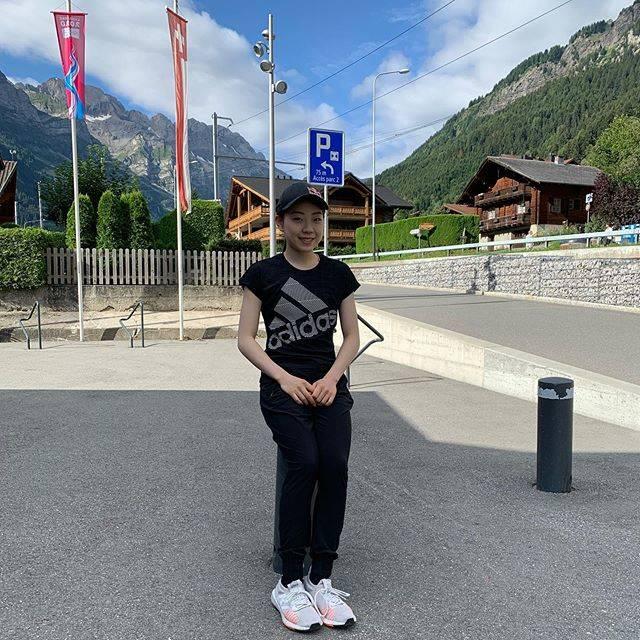 "Rika Kihira 紀平梨花 on Instagram: ""スイス合宿頑張ってます☺️🇨🇭✨#switzerland #champery"" (693713)"