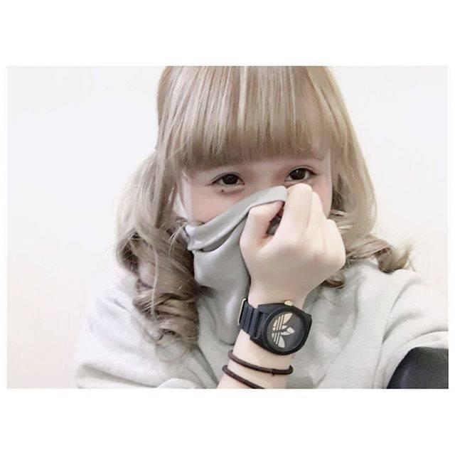 "azuki on Instagram: ""🤓"" (694913)"