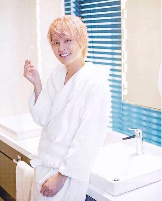 """テゴ on Instagram: """"え?わたしに微笑んでる? ( '-' )ノ)`-' )ボケ*´∀`)=⊃)´Д゚);、;'.・グホォ#手越祐也"""" (695040)"""