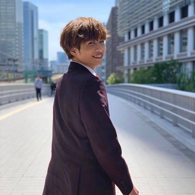 """mo on Instagram: """"おっさんずラブ ・ ・ ・ ・ もう見にいってから結構経つけど、 山田正義くん最高でした〜〜 1つの映画で志尊くんのスーツ姿、浴衣姿、タキシード姿が見られるなんて幸せな時間💖💖 この志尊くんのビジュ好きなんだよなあ、、、 ・ ・ ・ ・ #志尊淳 #おっさんずラブ…"""" (695786)"""