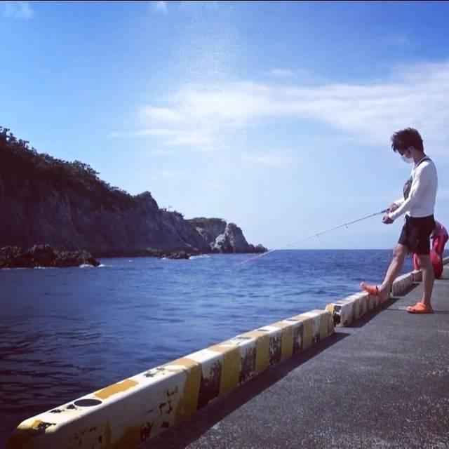 "funfunごじゃゴレンじゃむ! on Instagram: ""釣りをするジャン君もカッコイイ……💕・応援アカウントのつもりが・ジャン君カッコイイしか言ってない気がする😭😭・#式根島私も行ってみたいな〜💕 #ジャン君#jamkun"" (696430)"