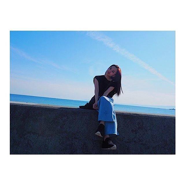 """板野友美 on Instagram: """"思い出日記♪大好きな湘南の海🐠#江ノ島#葉山#鎌倉#ドライブ🚗💨"""" (697026)"""