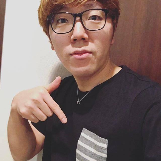 """HIKAKIN ヒカキン on Instagram: """"本日はBEAMSのおニューのTシャツ♪最近ゾゾタウンでまとめ買い\( ˆoˆ )/"""" (710317)"""
