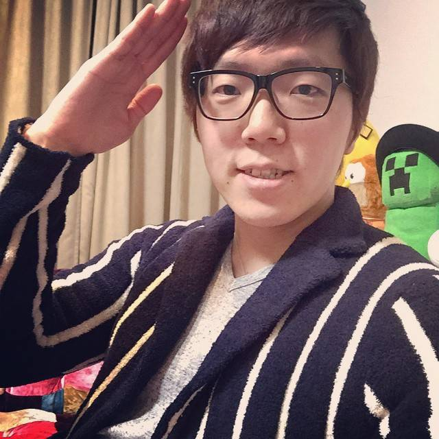 "HIKAKIN ヒカキン on Instagram: ""今日一目惚れしたジャケット的なやつ♪"" (710320)"