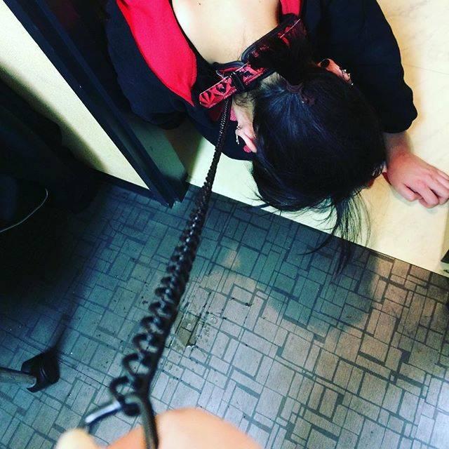 """れいさん on Instagram: """"首輪をつけてお散歩♡#首輪 #散歩 #首輪プレイ #調教"""" (715644)"""