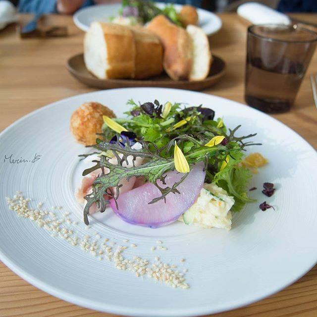 """Biscotty.M on Instagram: """"Moliere Cafe 降っても晴れてもで、休日のランチ。モリエール、マッカリーナ、ビブレ、行きたい所が山ほどある(;´д`) #モリエールカフェ #molierecafe降っても晴れても #moliere #Lunch #ランチ #サラダ"""" (742149)"""