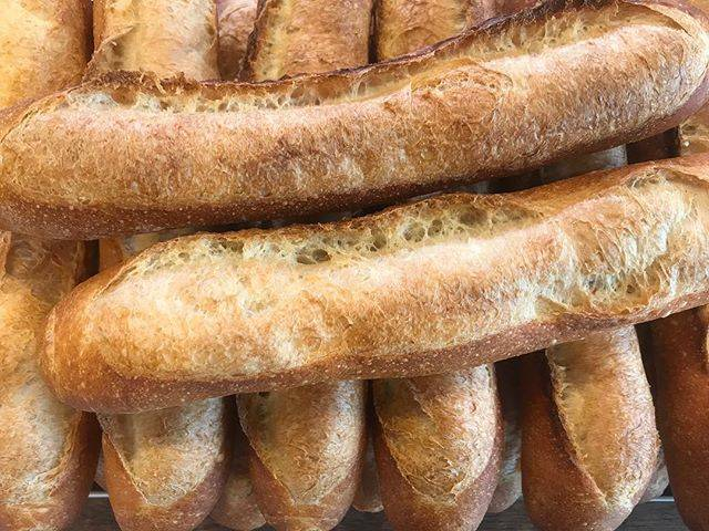 """グルマンカンタ on Instagram: """"🥖バケット🥖¥200taxin 写真は焼き立ての美味しいバケット🥖 バターをたーぷり付けてシンプルに食べるのもオススメです🥖 . . 平成最後の日はグルマンカンタのサンドイッチを!✨ . . ✨🥖🍞🥪🥐✨ . . . 🐾🐾🐾🐾🐾🐾🐾 . .…"""" (742632)"""