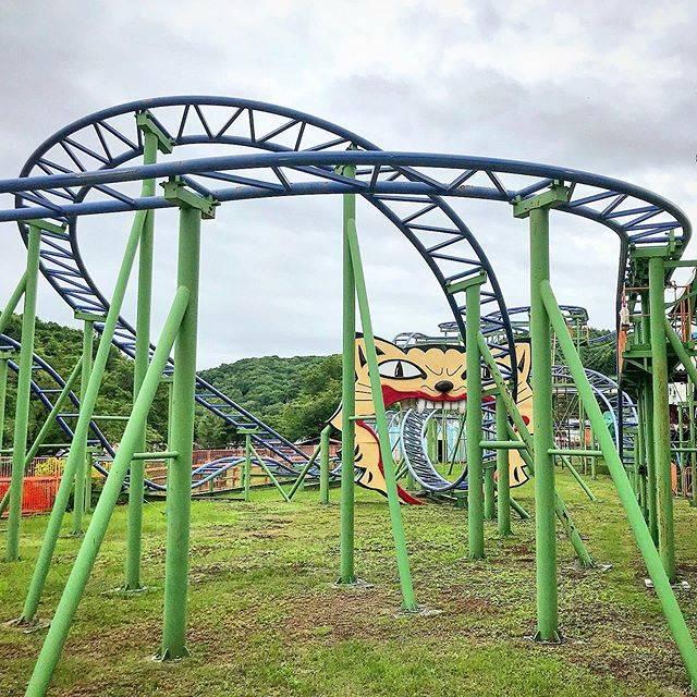 """ジェットコースター男 on Instagram: """"日本最北端にあるジェットコースターにわざわざ乗りに行くジェットコースター男は少し頭おかしいのかもしれない😂 #crazymouse #kitamifamilyland #hokkaido #japan #togo #rollercoaster…"""" (743435)"""