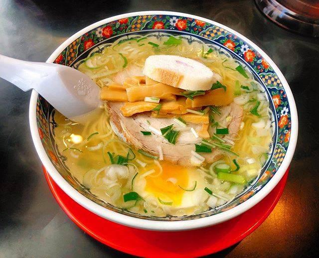 """🐷ぴ。 on Instagram: """"1時間並んだ #麺厨房あじさい本店"""" (744863)"""