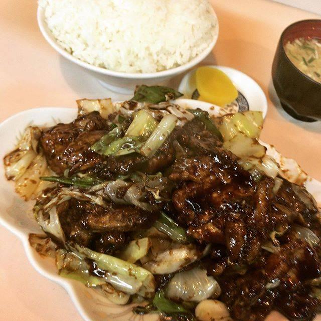 """ににすけ on Instagram: """"C定食(回鍋肉) かなり久しぶりの宝来。 15年ぶり位だろうか。 オカズも米も了解が多い。 そして味が濃いねぇ。 全部食べ切れなかった。 米がもう少し美味しいといいな。 #宝来 #大衆中華宝来  #C定食 #回鍋肉 #豚肉とキャベツのみそ炒め  #札幌中華ランチ #札幌北区中華…"""" (747603)"""