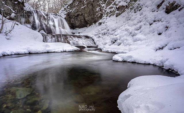 "Naoyuk_Onoder on Instagram: ""平和の滝。初雪。  Location:Hokkaido/Japan  #北海道 #igersjp #japan_daytime_view #初雪 #滝 #art_of_japan_ #longexposure_japan #東京カメラ部 #unsquares #平和の滝…"" (748844)"