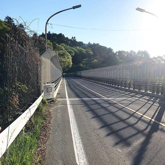 """#006F86 on Instagram: """"とあるジャンルで有名な八木山橋です! 橋の下を覗くと… 谷に吸い込まれそうな感じに…  私は主にランニングで通ります!(自転車でも! 青葉城址で折り返しで丁度いい距離感です^ ^ 夜は怖いので行けません💦 🚴♂️の話題が少ない… 松島、待ってて!すぐ行くから…"""" (750318)"""