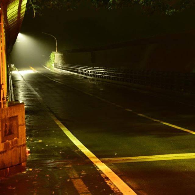 """タケシ on Instagram: """"東西線に乗って、夜の八木山橋にて孤独な撮影会をしてみた。  #夜の雨の中 #八木山橋 #夏休み #仙台市地下鉄東西線  #青葉城 #nikon #d600 #歩き疲れた #仙台市 #青葉区 #写真難しい #写真うまくなりたい  #彼女ほしい #有名な橋 #夜の撮影難しい…"""" (750327)"""