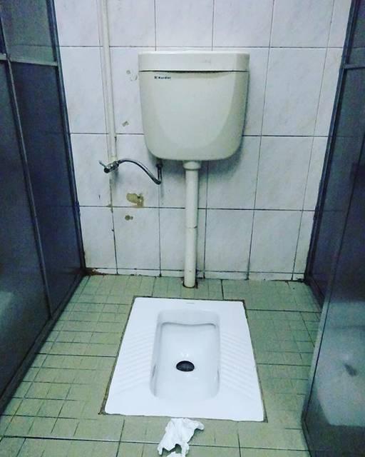 """オノーちゃん@日本ガチャガチャ協会↓ on Instagram: """"#東莞 #中国 #中国トイレ"""" (750843)"""