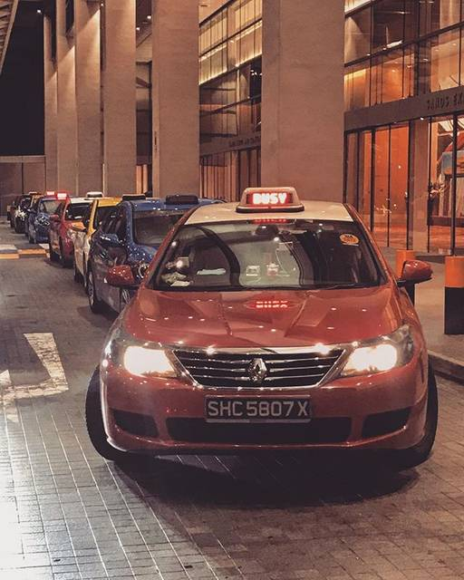 "Gero Belandres🚶🏻♂️🐜🦅 on Instagram: ""Taxis in Singapore seems like Power Rangers hahaha lols 🚕🚕🚕🚕 #singaporetaxi #singaporetrip #singapore #geroanderson"" (753843)"