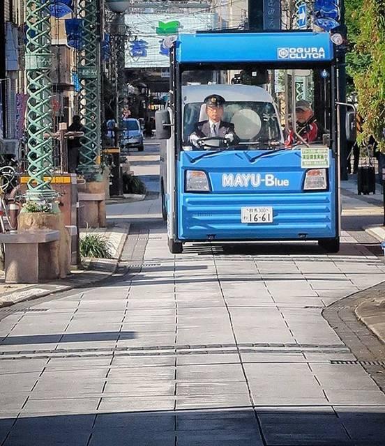 """土木フォトグラフィ doboku photography on Instagram: """"グリーンスローモビリティ🚌🚌🚌(宮崎県宮崎市)。環境に優しく、乗って楽しい、新たな交通の形として期待される""""グリスロ""""。宮崎のマチナカで回遊性の向上をめざして実証調査が始まりました。12/15まで。 Green slow mobility, electric small…"""" (755117)"""