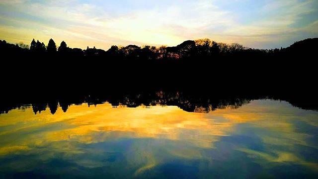 """おやぢ on Instagram: """"今日の雄蛇ヶ池。暖かいと言うより暑かったですね!#雄蛇ヶ池#夕焼け#鯉のハタキ始まる"""" (756280)"""