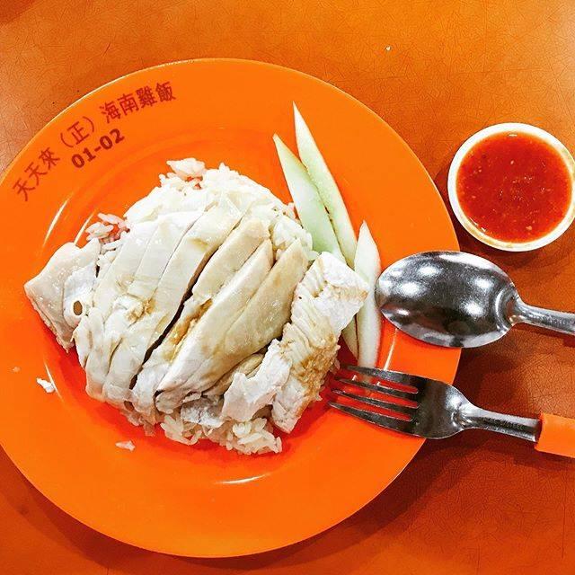 """HIRO on Instagram: """"【シンガポールの旅🇸🇬】 2019.08.22-26  DAY3  Chinatown Maxwell Food Centre🍽  Chicken rice🐓  ようやくホーカーズに到着‼️  遅い時間だったので 半ば諦めていましたが …"""" (761245)"""