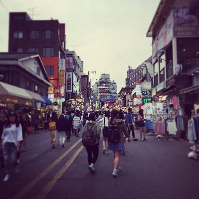"mikistagram☺︎m.nakazawa on Instagram: ""☺︎⁑⁑#홍대주차장거리#弘大駐車場通り#韓国 #한국 #홍대 #seoul #39ㅇ #여행스타그램#풍경 #ソウル旅行"" (762436)"