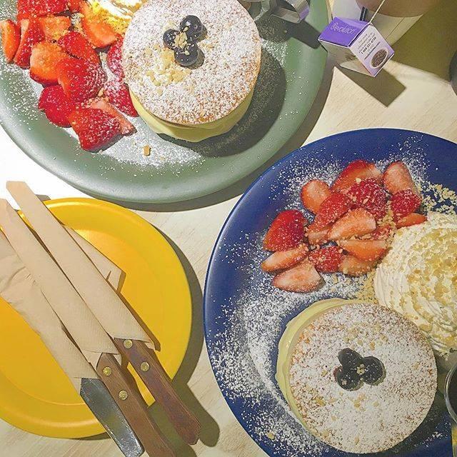 "🌈natsumi🦄🌈💗 on Instagram: "". これ美味しかった💗 そしてリーズナブル😆✨ . . #travel #korea #seoul #hondae #pancake #instafood #doodpics #instacafe #coffee #cafe #서울 #홍대 #홍대카페 #먹그타그램…"" (763057)"