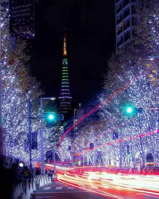 """Hiroto Sakakibara on Instagram: """"けやき坂のクリスマス お決まりの写真だけど、東京タワーがいつもと違う色!ちょっとツリー🌲っぽい? かなぁなんて思いながら撮ってました . location:東京 六本木けやき坂 EOS 6D Mark II CANON EF70-300mm F4-5.6 IS II USM…"""" (763550)"""