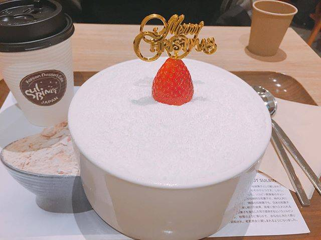 "Miyuu on Instagram: ""いちごケーキソルビン!美味!今週頑張ってよかった〜🍓 #寒くてもおいしい#ケーキソルビン#先輩とミーハー女子会#とても良き◎#sulbingharajuku"" (765121)"