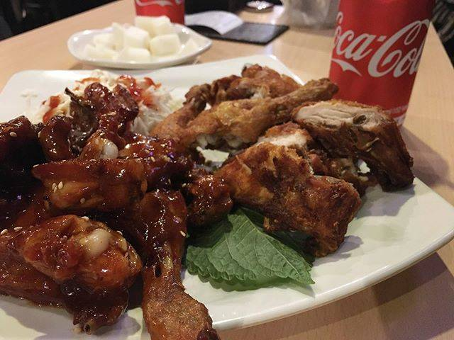 "KINAKO & MEGU on Instagram: ""今回鶏ばっかり食べてる。・・#twotwochicken #トゥルドゥルチキン #韓国 #ソウル #korea #southkorea #seoul"" (765415)"