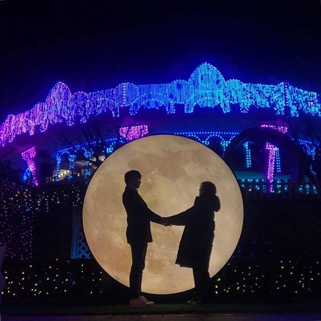 """ᴋɪᴍ ʜᴀ ʏᴏᴜɴɢ 🎗 on Instagram: """"𝙼𝚎𝚛𝚛𝚢 𝙲𝚑𝚛𝚒𝚜𝚝𝚖𝚊𝚜🎄....#서울랜드 #빛축제 #루나파크 #크리스마스"""" (766438)"""