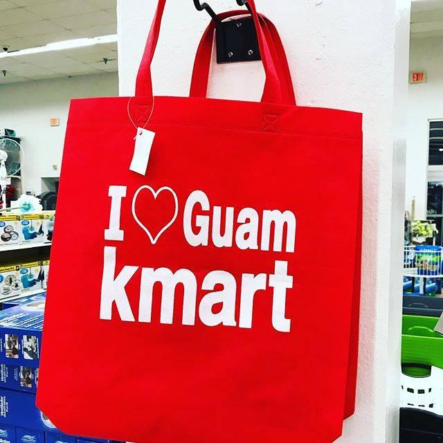 """@bemyguam on Instagram: """"Kマートのエコバッグ。おみやげにいかがでしょうか。 #グアム #kマート #kマートグアム #エコバッグ #トートバッグ #guam #kmart #kmartguam #ecobag #totebag"""" (766673)"""