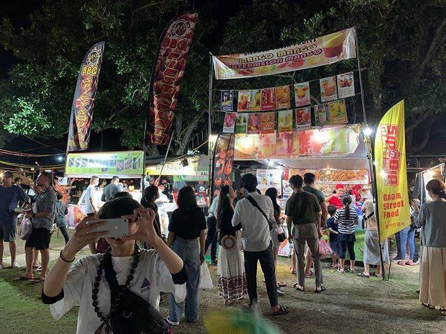 "moe okutani on Instagram: ""🏮#ハタチの一歩 #チャモロビレッジナイトマーケット"" (767830)"