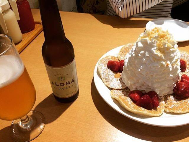 """みなみ on Instagram: """"10年前、無理してクリーム食べてお腹壊したから今回は控えめに。ここは#横浜#山下公園 店#eggsnthings #パンケーキ と#ビール#アロハラガー#アロハビール#エッグスンシングス"""" (768889)"""