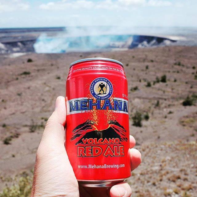 """chikichiki2018 on Instagram: """"【ハワイのクラフトビール No.32】 ハワイ島ヒロにあるメハナ・ブリューイング・カンパニーのボルケーノ・レッドエール。味も香りもモルティー。モルト・エクストラクトというか若い熟成というか、なんとも言えない独特な味。IBUの値より苦味をずっと強く感じます。(ホテルで飲酒)…"""" (768890)"""