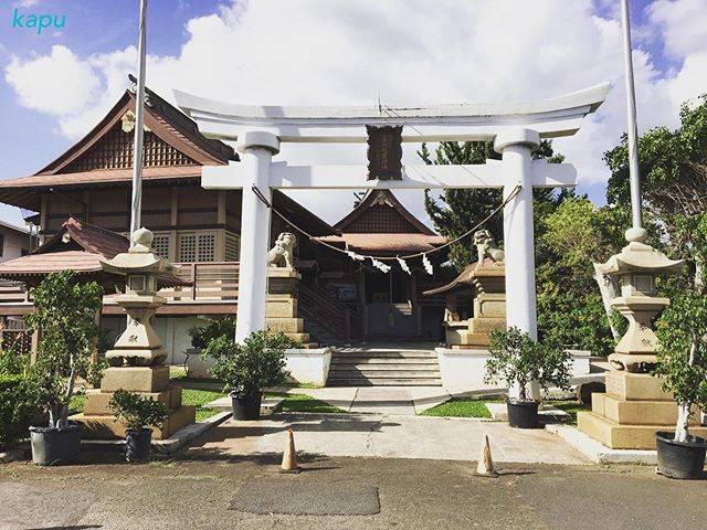 """kokua hawaii on Instagram: """"ハワイで日本式のお正月を体験! ハワイ金比羅神社・ハワイ太宰府天満宮やハワイ出雲大社では、今回も初詣イベントを開催。 ハワイでも日本式のお正月が体験できますよ♪ . 【日時】1月1日 0:00〜16:00…"""" (768922)"""