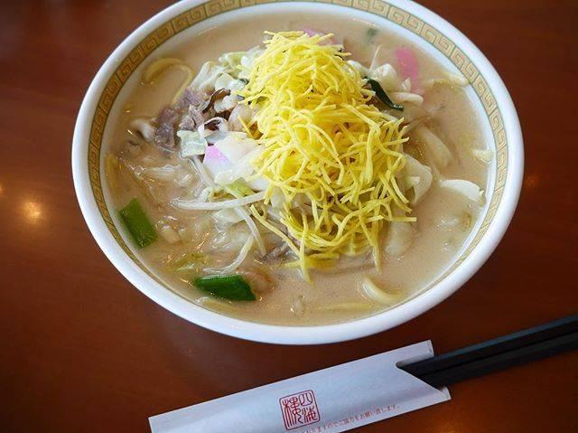 """YukiN on Instagram: """"四海樓のちゃんぽん🍜 見た目以上のボリューム‼️ 朝食バイキングの後。 後半、気分はフードファイター😵🔥 食べたい物だけリストアップする、うちらあるある🐷 でもそれでも完食できるくらい美味しかった、長崎ちゃんぽん❤️ お腹すかせて行くのがオススメ👍 #長崎 #四海樓…"""" (770755)"""